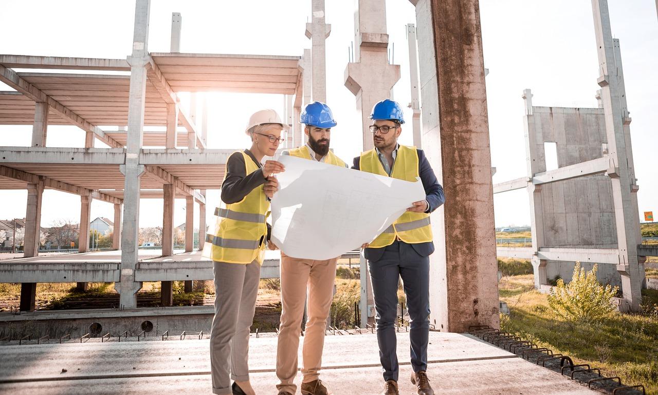 El Papel De Los Trabajadores Inmigrantes En La Industria De La Construcción architect 3979490 1280  Noticias de Inmigración architect 3979490 1280