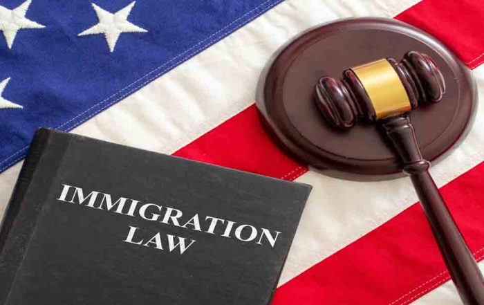 News News judge gavel and immigration law book on united sta 5Z2EYE3 700x441